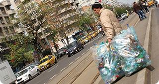 Dispare un impozit care a creat haos în colectarea și valorificarea deșeurilor