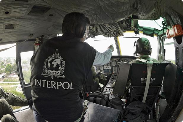 Ofiţeri INTERPOL în acţiune