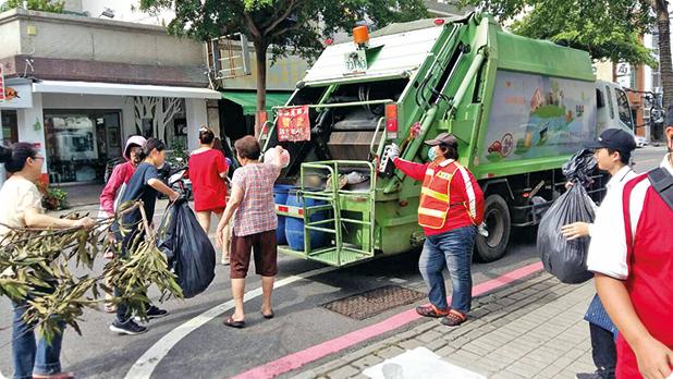Maşină de salubritate în Tainan