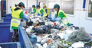 Societatea ECOREC a investit 3,5 milioane de euro în cea mai mare stație de sortare a deșeurilor menajere din România